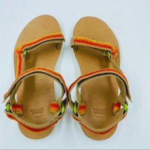 Teva Velcro Universal Sandals 10 EUC beige
